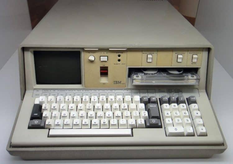 1975 Computadora portátil IBM