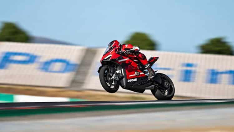 Carrera Ducati Superleggera V4 2020