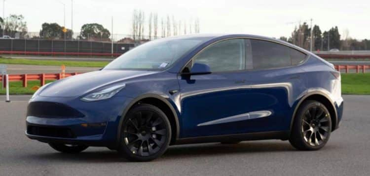 Lado del Tesla Model Y 2020