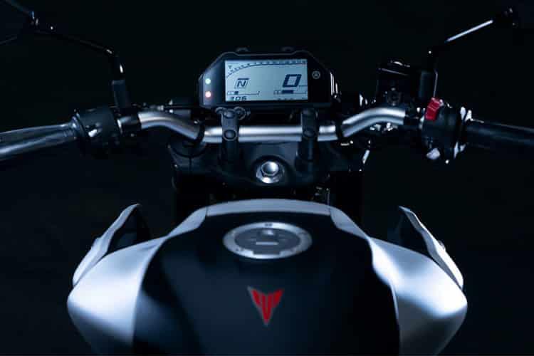 2020 Yamaha MT-03 4