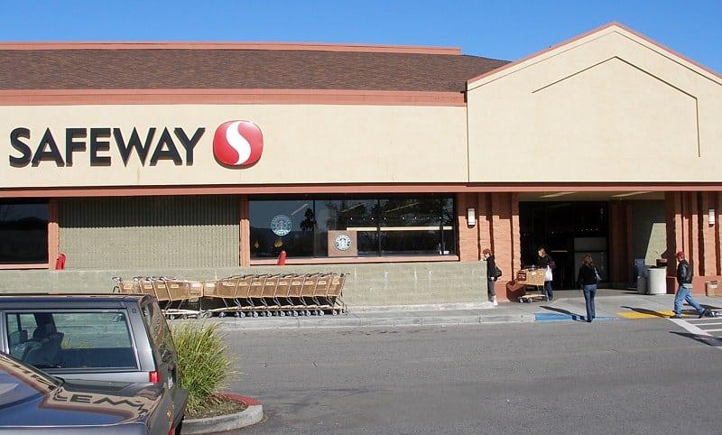 21st century Safeway store Los pros y los contras de tener una tarjeta Safeway Club