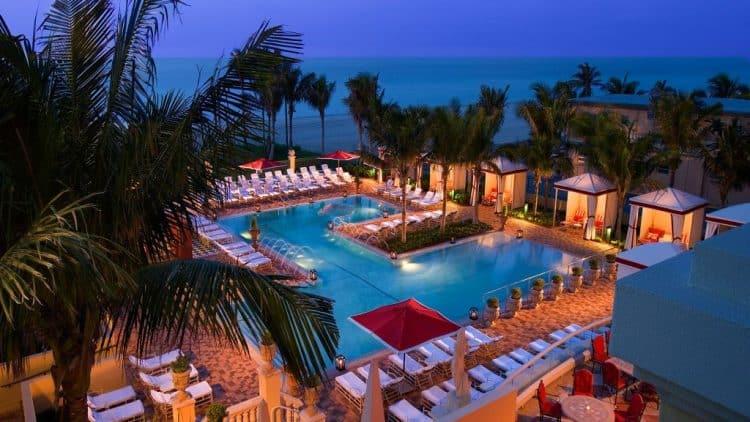 Acqualina Resort & Spa en la playa