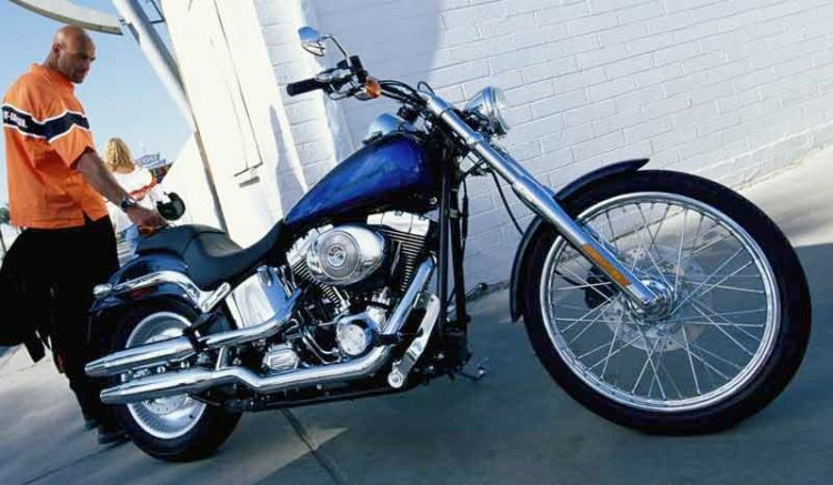 Harley Davidson Deuce 1