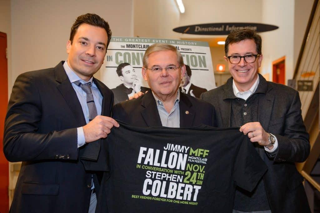 Jimmy Fallon and Stephen Colbert November 2013 scaled Cómo Jimmy Fallon logró un patrimonio neto de $ 35 millones (actualizado para 2020)