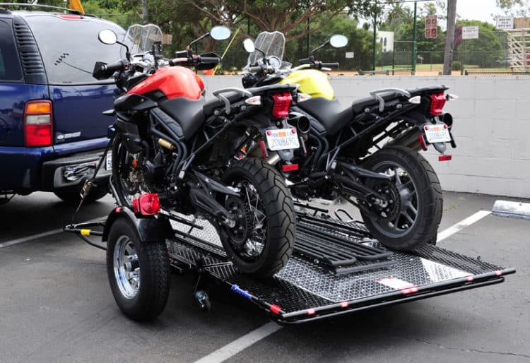 Remolque para motocicleta Kendon Stand-Up Dual Ride-Up SRL