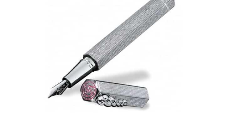 La Modernista Diamonds Caran dAche Una mirada más cercana al bolígrafo Caran d'Ache La Modernista Diamonds de $ 265,000
