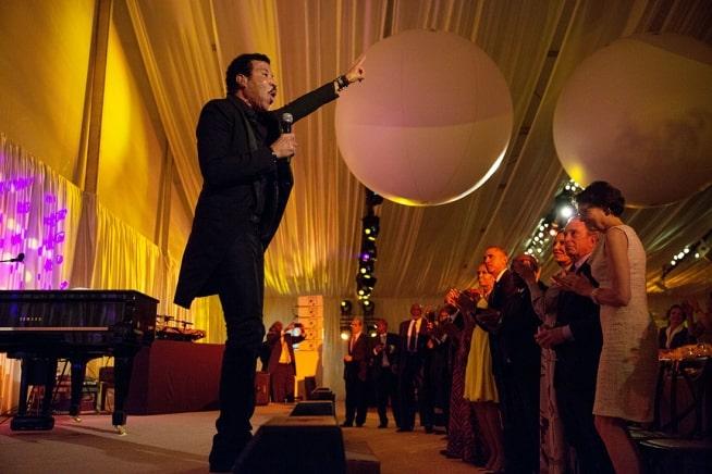 Lionel Richie at Summit Dinner 2014 Cómo Lionel Richie logró un patrimonio neto de $ 200 millones (actualizado para 2020)