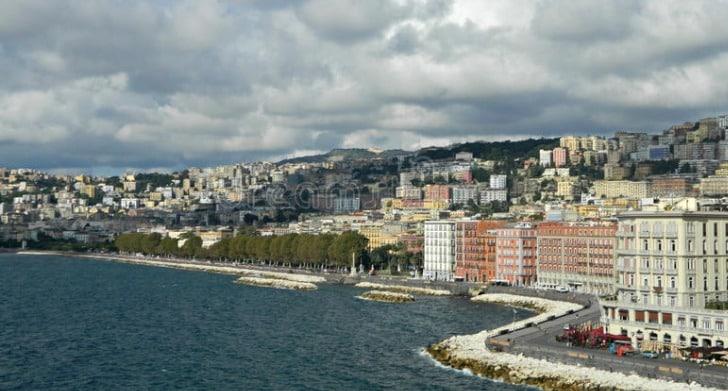 Lungomare 10 cosas que hacer en Nápoles, Italia para quienes visitan por primera vez