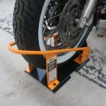 MaxxHaul Motocycle Chock scaled Los cinco mejores calzos para motocicletas del mercado actual