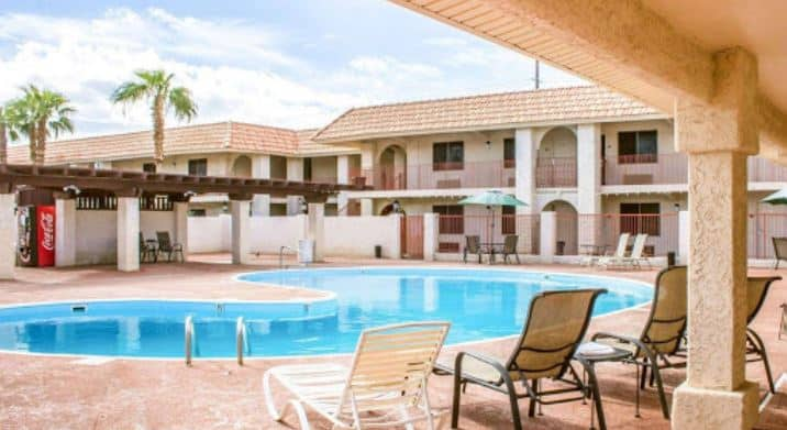 Holiday Inn y Suites