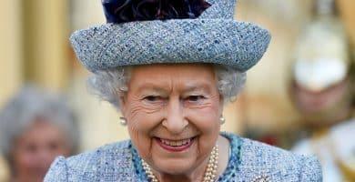 Queen Elizabeth II Los 20 miembros de la realeza más ricos del mundo (actualizado para 2020)