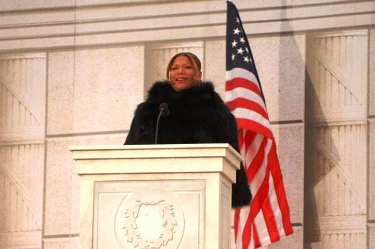 Queen Latifah Inauguration of Barack Obama scaled e1581777367753 El patrimonio neto de Queen Latifah es de $ 60 millones (actualizado para 2020)