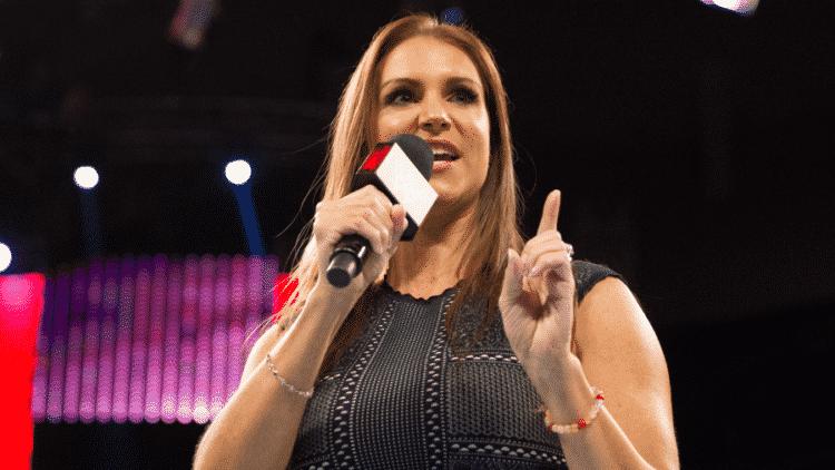 Stephanie McMahon bio Los 20 luchadores profesionales más ricos del mundo (actualizado en 2020)
