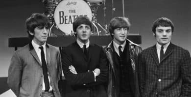 The Beatles with Jimmie Nicol 916 5098 scaled e1581874131155 El patrimonio neto de Ringo Starr es de $ 350 millones (actualizado para 2020)