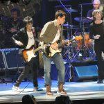 The Rolling Stones with John Mayer Prudential Center 2012 12 13 Cómo John Mayer logró un patrimonio neto de $ 40 millones (actualizado para 2020)