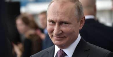 Vladimir Putin El patrimonio neto de Vladimir Putin es de $ 70 mil millones (actualizado para 2020)