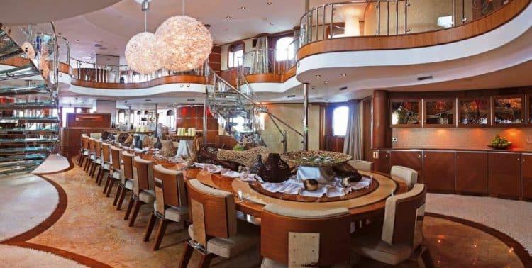 Yacht SHERAKHAN - Formal Restaurant