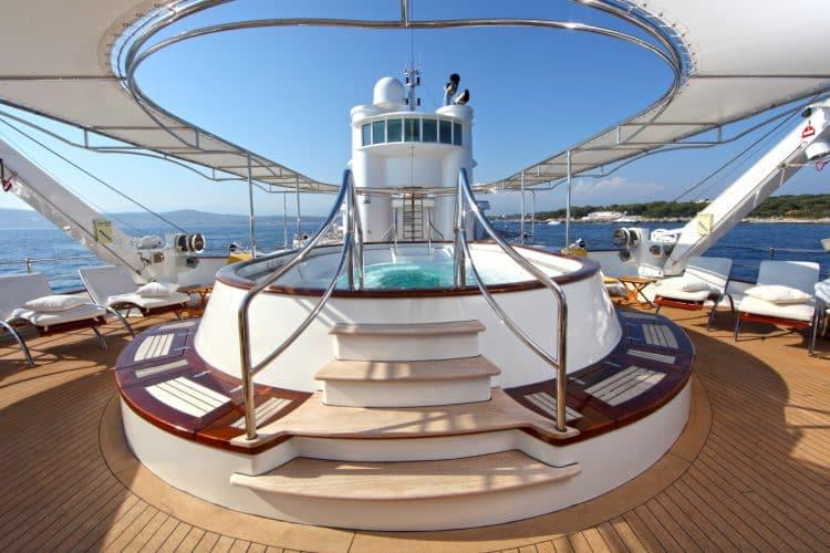 SHERAKHAN Yacht - Hydromassage pool