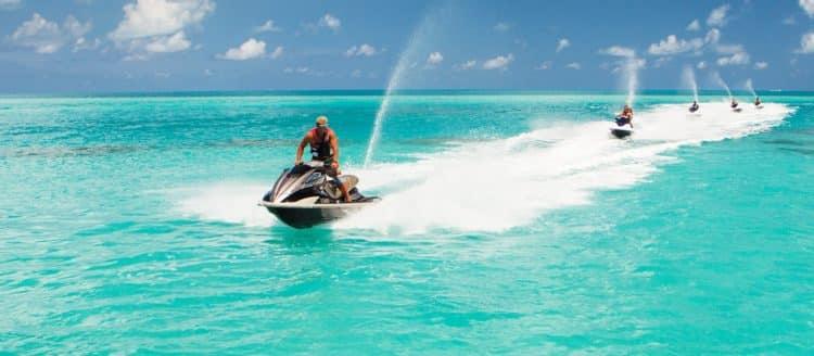 ber watersports2 e1552246005715 Cinco deportes acuáticos de lujo que debes probar una vez en tu vida