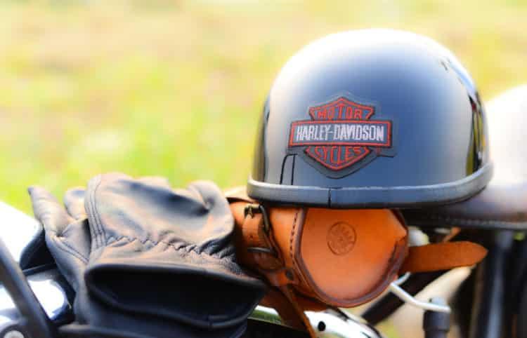 shutterstock 1059466436 e1597935992675 Los cinco mejores guantes Harley Davidson que el dinero puede comprar