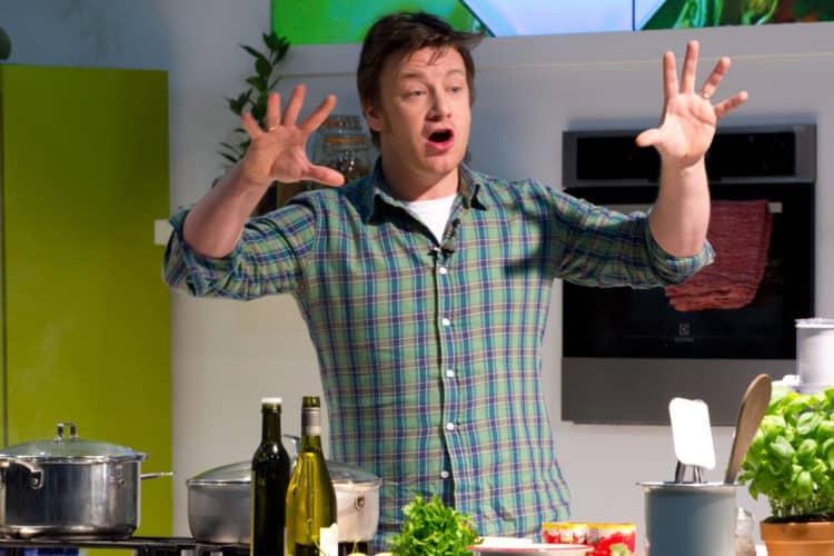 shutterstock 121845178 e1594985551366 Cómo Jamie Oliver logró un patrimonio neto de $ 300 millones