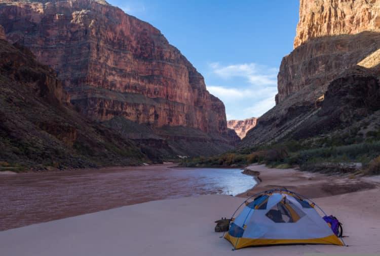 Pasa unos días acampando