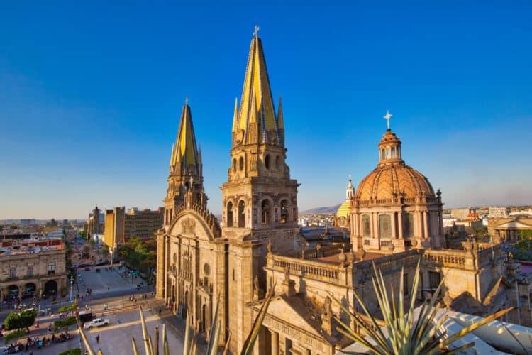 shutterstock 1284325444 e1615205107876 Las 20 mejores cosas que hacer en Guadalajara para principiantes