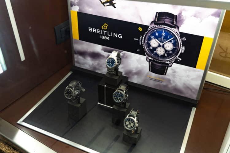 shutterstock 1304001835 e1601032165649 Los cinco mejores relojes de aviador Breitling de todos los tiempos