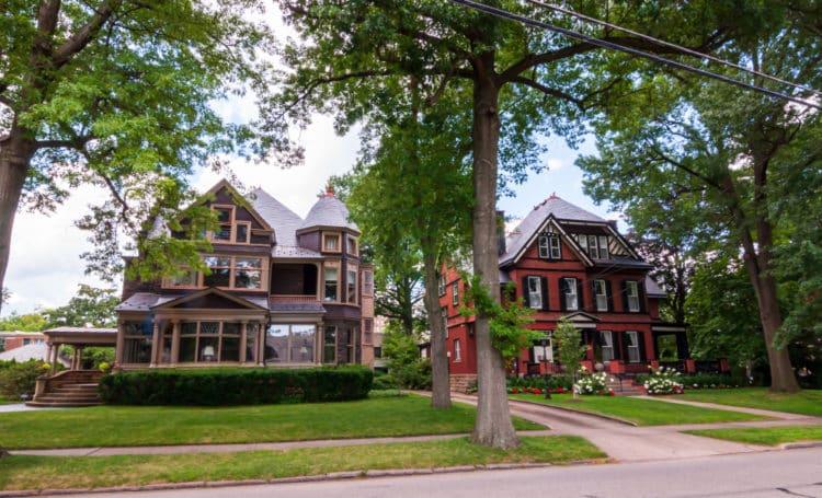 shutterstock 1465906556 e1618759599774 Los 10 barrios más ricos de Pittsburgh