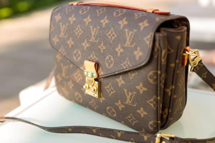 shutterstock 1491606047 1 e1613739690336 ¿Dónde puede conseguir los bolsos Louis Vuitton mejor usados?