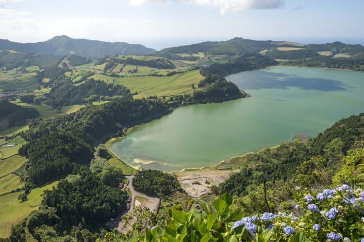 Azores para disfrutar del agua en el lago Furnas