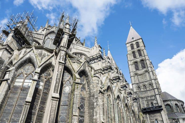 Visita la catedral de Notre-Dame de Tournai