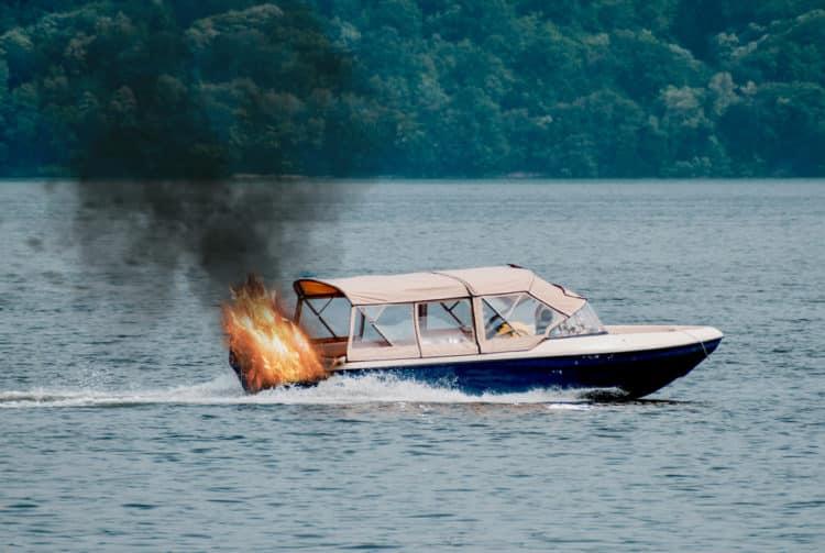 shutterstock 1755056537 e1601983391104 Una guía de seguridad sobre qué hacer si su barco se incendia