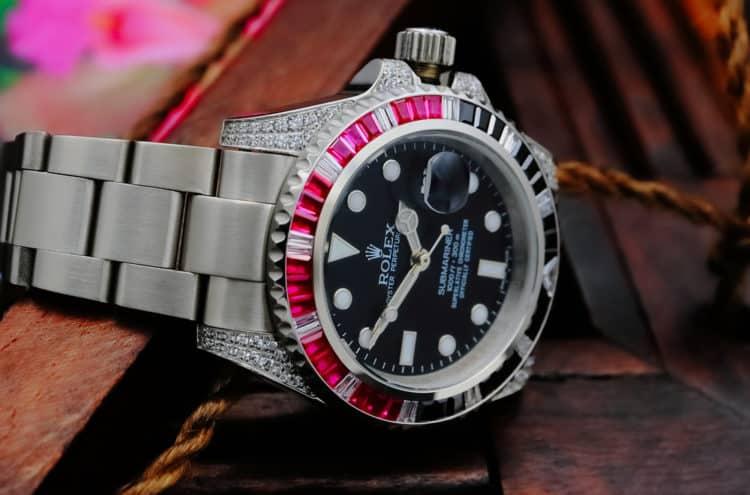 shutterstock 1788865580 e1597261195640 ¿Qué es un Rolex helado y cómo se obtiene uno?