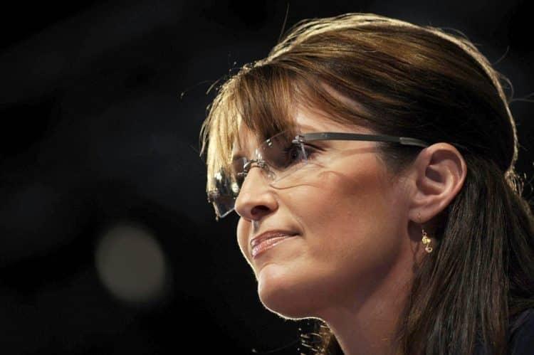 shutterstock 182562686 e1611923046809 Cómo Sarah Palin logró un patrimonio neto de $ 8 millones