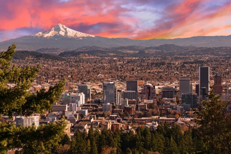 shutterstock 219469414 e1593461495180 Los 10 mejores abogados de lesiones personales en Portland, OR