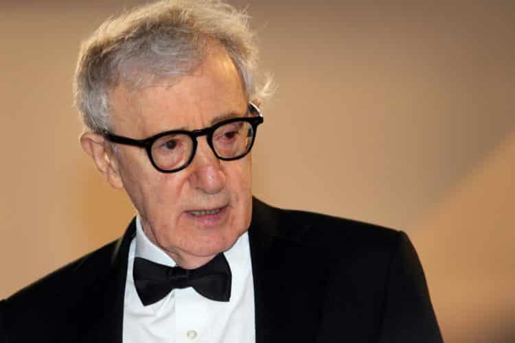 shutterstock 298606079 e1604927395411 Cómo Woody Allen logró un patrimonio neto de $ 140 millones