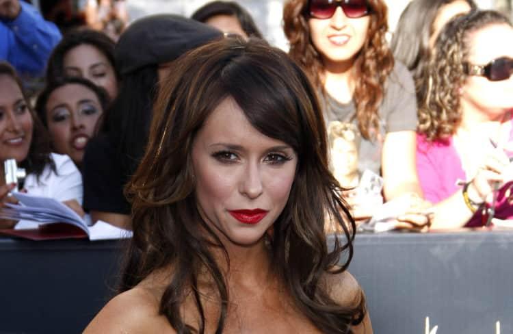 shutterstock 335610365 e1606484167405 Cómo Jennifer Love Hewitt logró un patrimonio neto de $ 22 millones