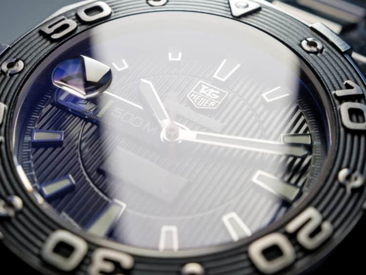 shutterstock 353342501 e1602425573111 Los cinco mejores relojes Tag Heuer 2000 de todos los tiempos