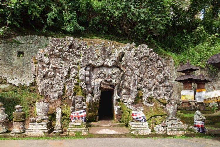 Templo y cueva del elefante