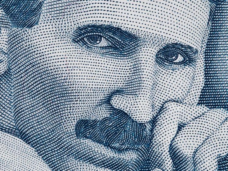 shutterstock 401120011 e1592142731215 Las 20 mejores citas de Nikola Tesla que se aplican a los negocios