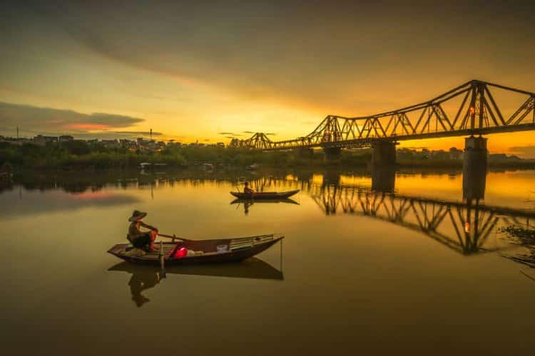 Puente Long Bien