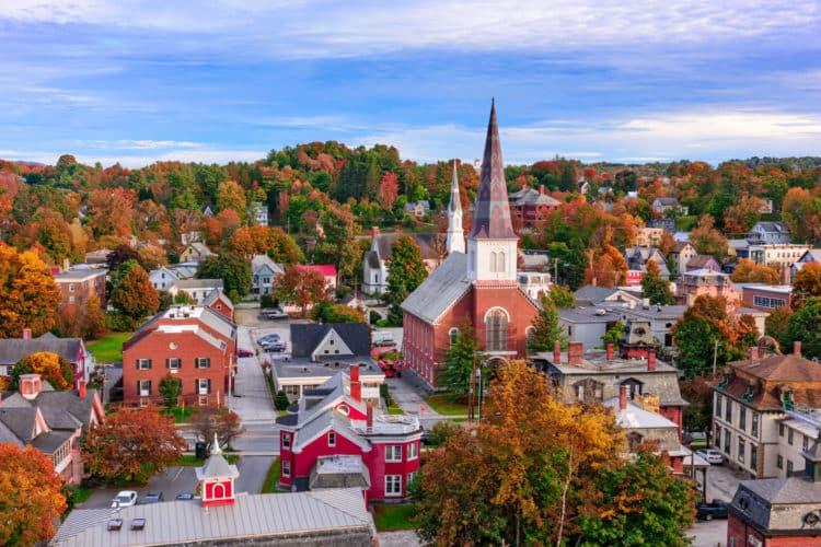 shutterstock 523401721 scaled e1591792987412 Cómo solicitar el desempleo en Vermont