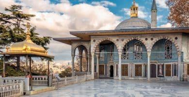 shutterstock 562143580 e1596980090264 Las 20 mejores cosas que hacer en Estambul para principiantes