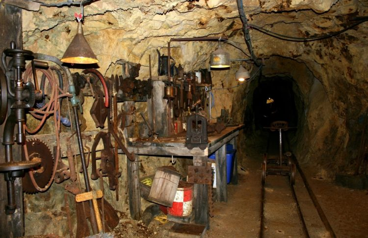 Tour de la mina de oro