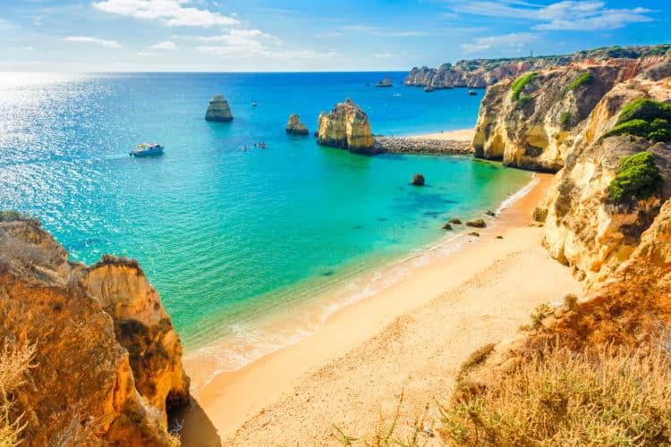 shutterstock 648798847 e1594920601950 20 mejores cosas que hacer en Portugal para principiantes