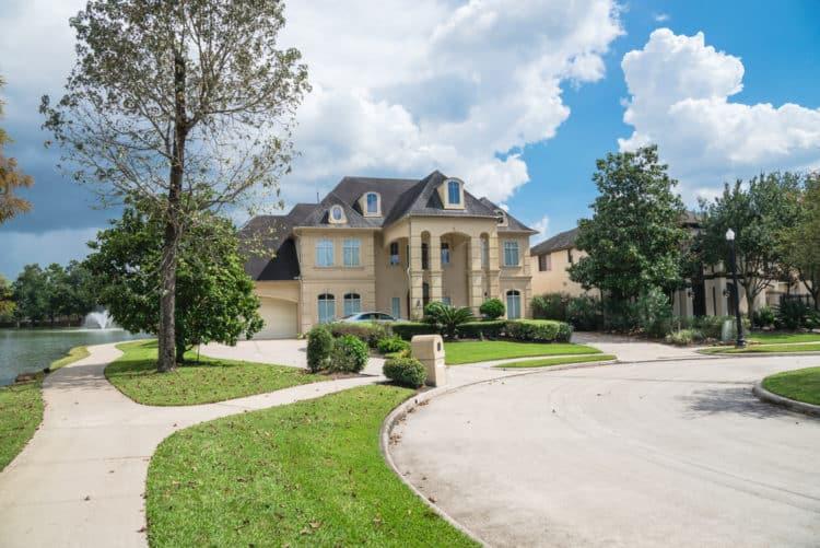 shutterstock 721691794 e1600429807716 Los 10 lugares más seguros para vivir en Houston