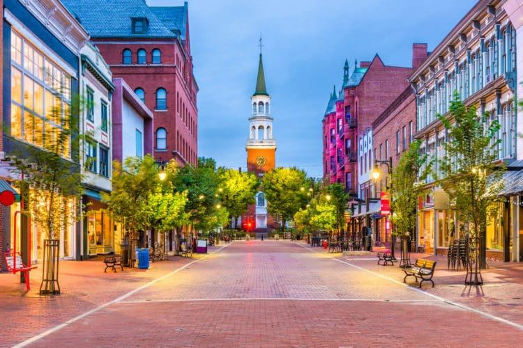 shutterstock 761286436 scaled e1591793189878 Cómo solicitar un préstamo para pequeñas empresas en Vermont