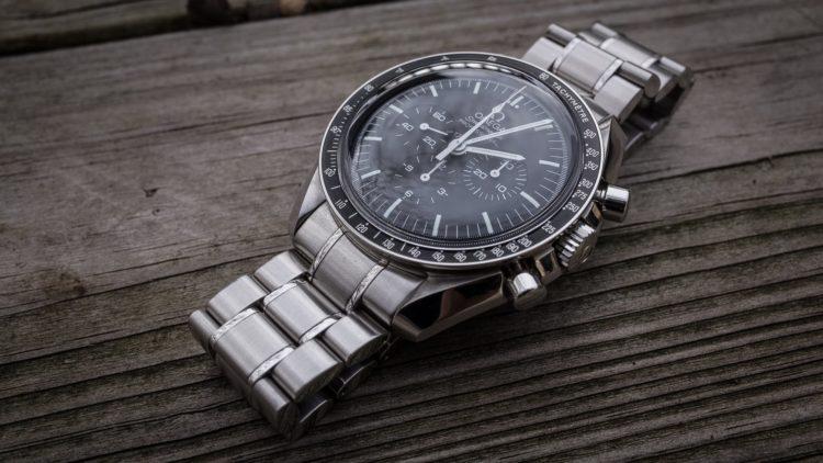 OMEGA Speedmaster - Reloj lunar profesional