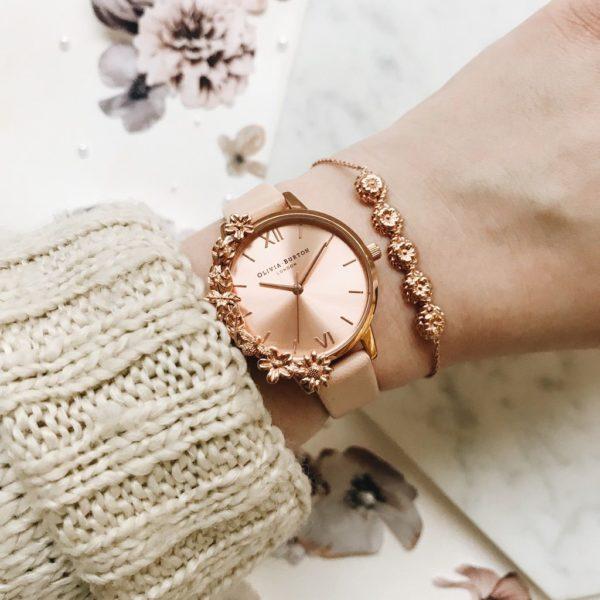 Olivia Burton Case Cuff Nude Peach and Rose Gold Watch Los 5 mejores relojes Olivia Burton del mercado actual